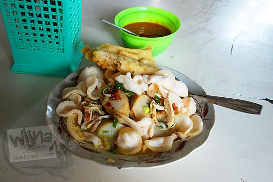 tempat jual seporsi lontong sayur enak kuliner khas nanggulan kulon progo
