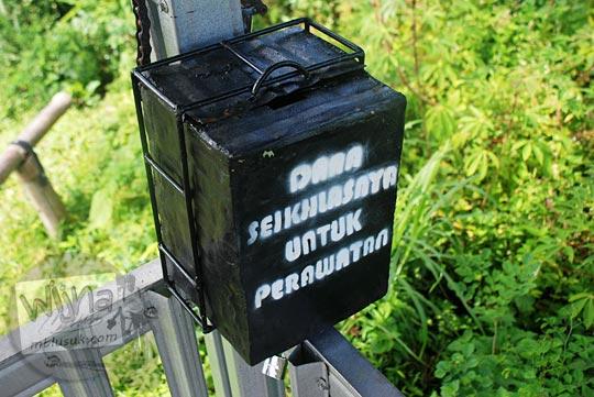 kotak sumbangan kebersihan di pos pengamatan tompak view lokasi girimulyo kulon progo