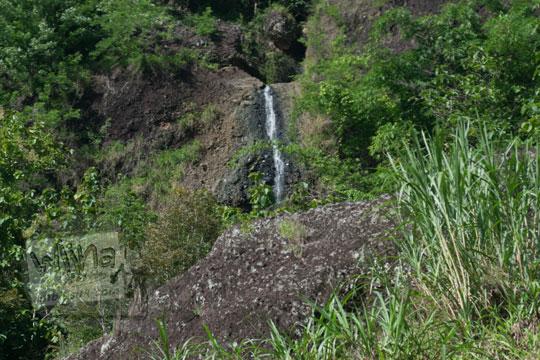 air terjun bukit pinggir kali oya kedungjati
