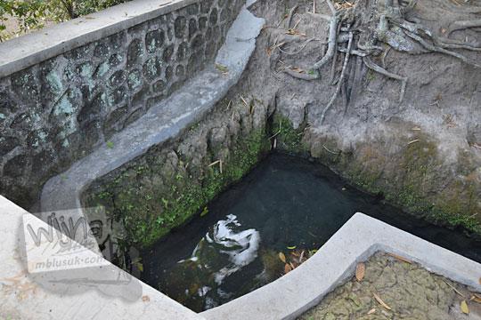 mata air dekat watu gilang banguntapan