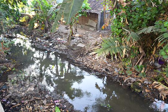 sungai dekat watu gilang banguntapan