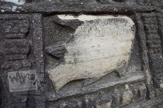 relief ikan rusak watu gilang banguntapan
