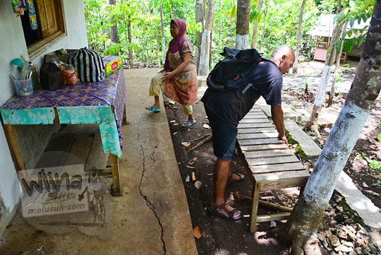 warung bu badriyah di kawasan objek wisata goa gajah mangunan dlingo bantul