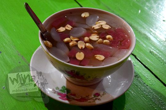 resep membuat minuman tradisional jawa ronde jahe mak pari di kota salatiga yang legendaris