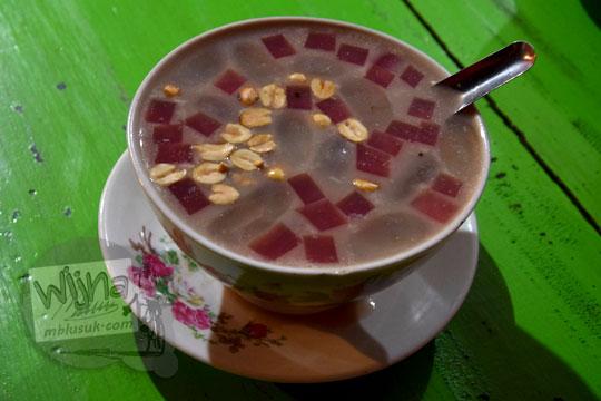 resep membuat minuman tradisional jawa ronde komplit mak pari di kota salatiga yang legendaris