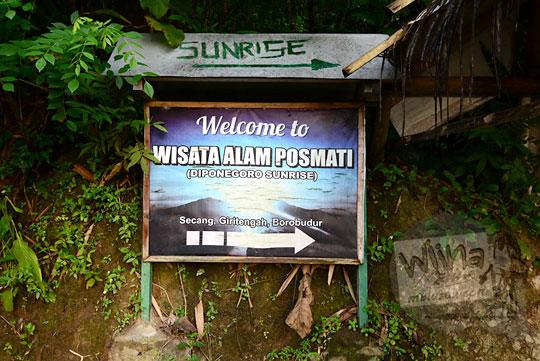 foto papan nama petunjuk arah ke objek wisata alam pos mati di desa giritengah borobudur magelang