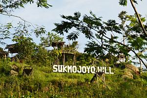 Ketika Dwi Jengkel ke Punthuk Sukmojoyo