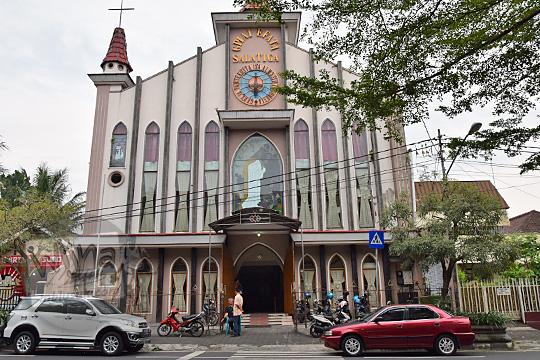 sejarah gereja pantekosta isa almasih indonesia efata salatiga