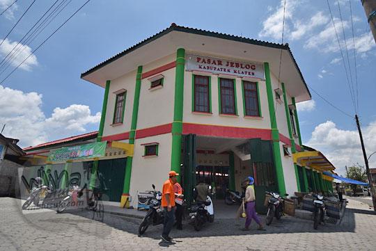 foto bangunan baru pasar jeblog di karanganom klaten jawa tengah