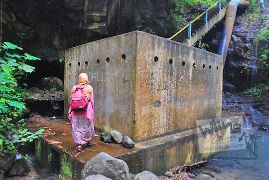 rumah penampungan air dari sungai curug titang di nampirejo temanggung jawa tengah