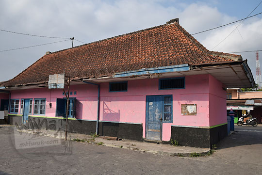 sisi depan bekas stasiun tempel jogja