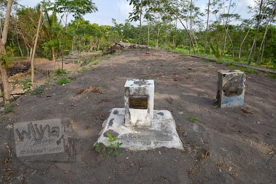 tugu batas provinsi sleman dan magelang