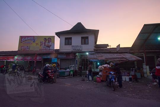 pemandangan suasana pagi hari di pasar talun kecamatan dukun kabupaten magelang jawa tengah