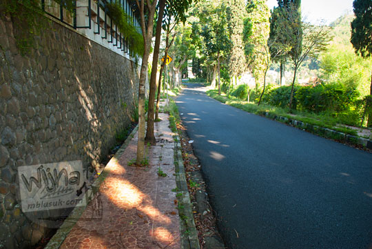 foto suasana jalan songgoriti di kota batu pada April 2017