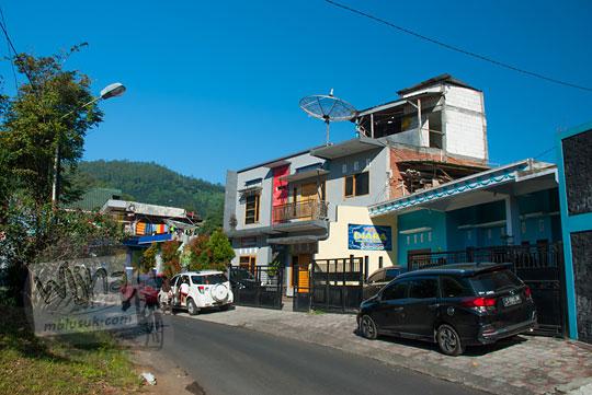 foto rumah-rumah yang disewakan jadi vila di jalan songgoriti kota batu pada April 2017