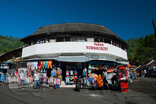 foto pasar wisata songgoriti di kota batu pada April 2017