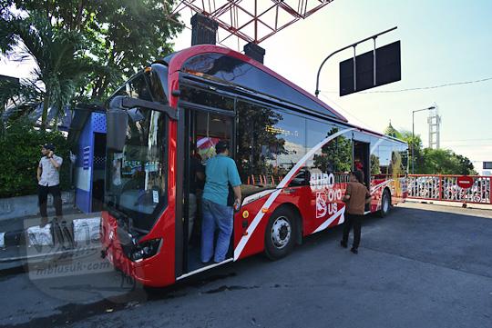 lokasi ngetem suroboyo bus di terminal bungurasih purbaya
