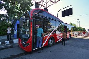 Dibolehkan Naik Suroboyo Bus Gratis