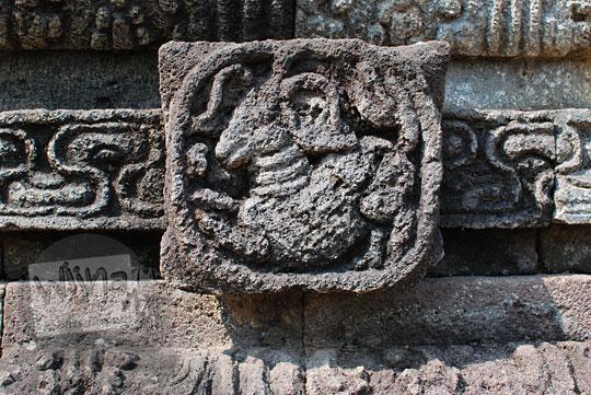panel relief kambing candi perwara tegowangi kediri