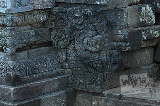 relief naga candi perwara tegowangi kediri