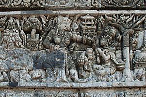 Relief Kisah Sudamala di Candi Tegowangi
