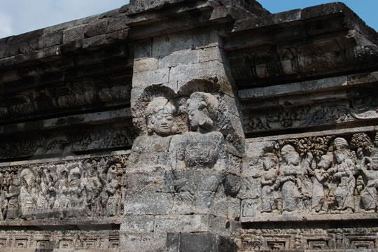 relief belum selesai candi tegowangi di Kediri Jawa Timur pada zaman dulu September 2016
