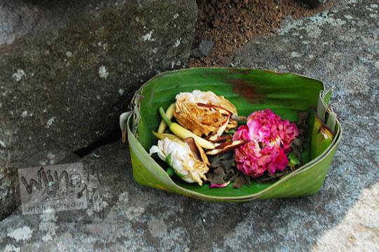 ritual sesaji di candi tegowangi di Kediri Jawa Timur pada zaman dulu September 2016
