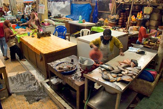 los daging ikan pasar wates kulon progo pada zaman dulu Desember 2016
