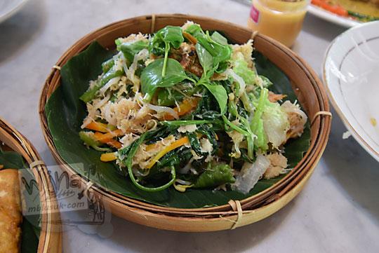 masakan tradisional jogja yang bernama urap sayuran
