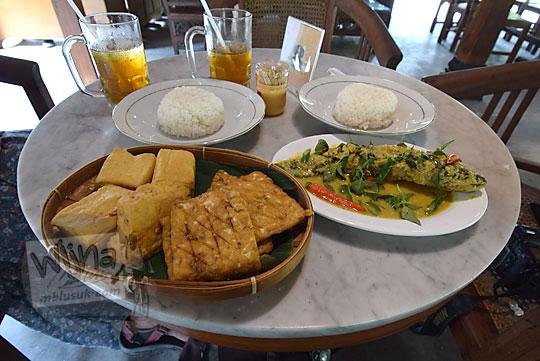 pengalaman makan di rumah makan kopi kenteng nanggulan kulon progo yogyakarta