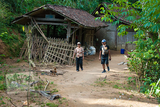 potret hidup keseharian warga desa di puncak suroloyo pada zaman dulu Mei 2017