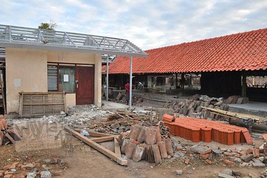 genteng merah baru renovasi pasar kenteng nanggulan pada zaman dulu agustus 2018