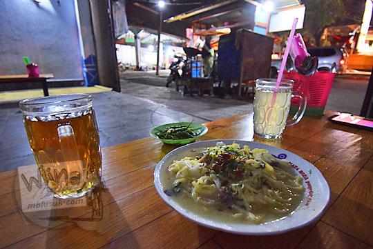 pengalaman makan warung nasi bakmi jawa bu cas terminal wates