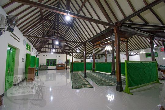 suasana masjid al mustofa di dusun sewugalur kulon progo