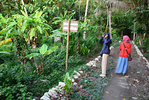 Telusur Dusun Sewugalur Bersama Rini
