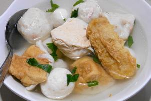 Thumbnail untuk artikel blog berjudul Sup Bakso Ikan di Tanjung Pandan itu Enak!