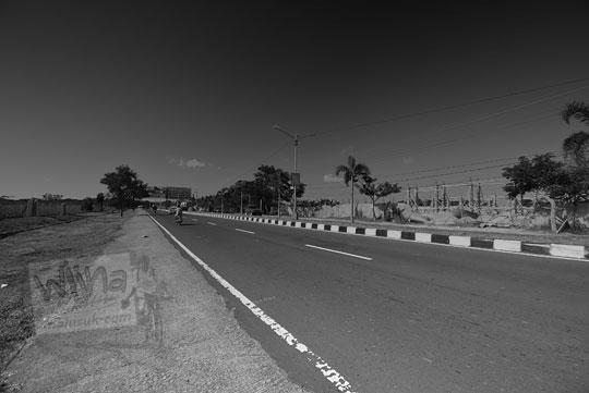 kondisi jalan raya bandara internasional lombok
