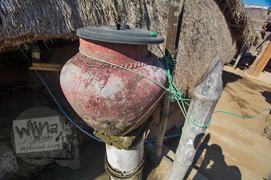 kendi air di desa adat sade lombok