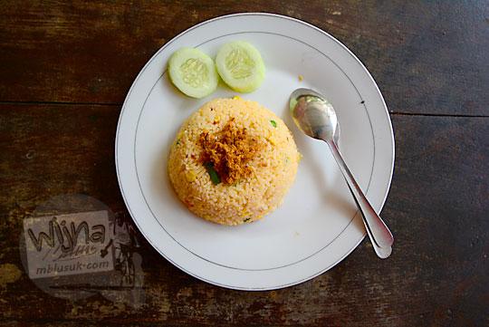 penampilan menu makanan nasi goreng hongkong di warung widy hot delicious dusun plosokerep umbulharjo cangkringan