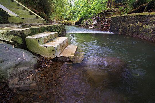 sungai pintu kerajaan gaib bathok bolu di dusun sambiroto purwomartani kalasan tahun 2018