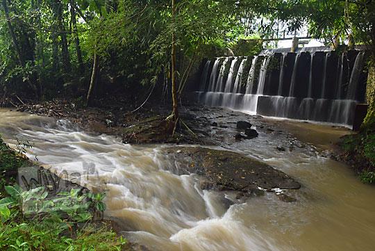 sungai deras dekat grojogan dam jering sidorejo godean pada zaman dulu tahun 2018