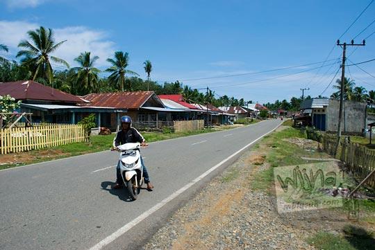 suasana jalan desa bengkulu utara zaman dulu