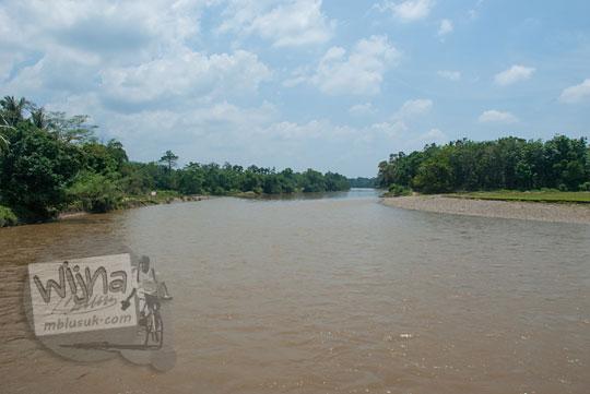 foto pemandangan sungai kampar kanan dari desa tanjung riau