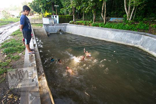 anak mandi kolam dusun geger seloharjo pundong