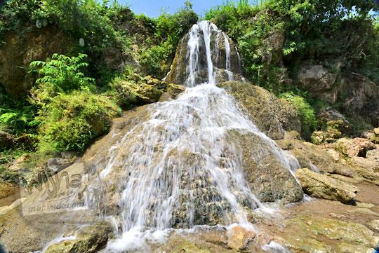 pesona air terjun perawan curug ngembel di desa karangtengah wonosari gunungkidul
