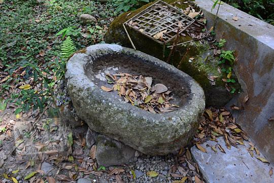 tempat air purbakala batu