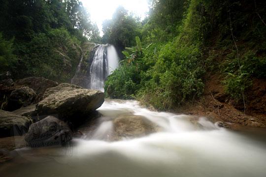 aliran sungai curug jumog jati
