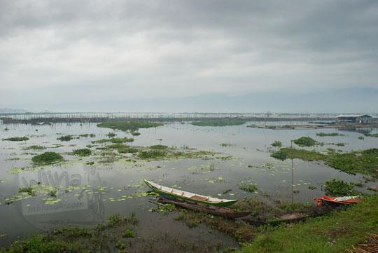 perahu nelayan rawa pening semarang