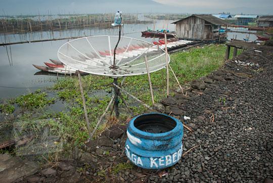 tempat sampah pemukiman rawa pening