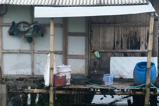 tempat cuci rumah apung rawa pening